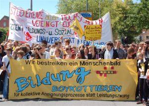 Bildungsstreik 2009. Foto von den Protesten in Flensburg. Quelle: Fotopresse Nord - Willi Schewski